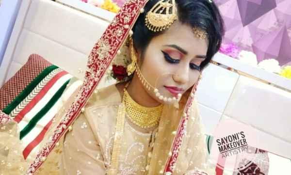 Sayoni z Makeover Artistry. Behala, Kolkata